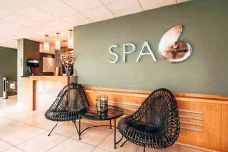 Spa 6 - Cotswolds spa day with treatments & lunch - Save 30%