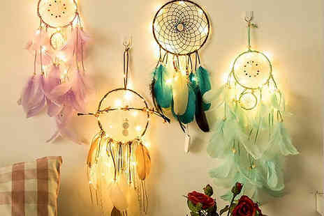 Charles Oscar - Led light dreamcatcher in lilac, turquoise, mint green or brown - Save 70%