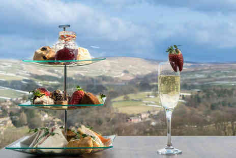 Holmfirth Vineyard - Sparkling afternoon tea, wine tasting and vineyard tour for two - Save 36%