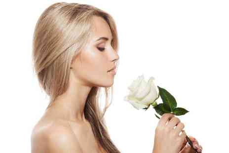 Moon14 Beauty - Cut and blowdry include a full head of highlights - Save 52%