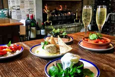 The White Swan - Tapas and bubbly for 2 - Save 40%