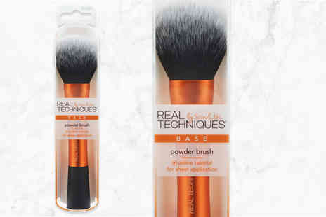 Deals Direct - Real Techniques powder brush - Save 38%