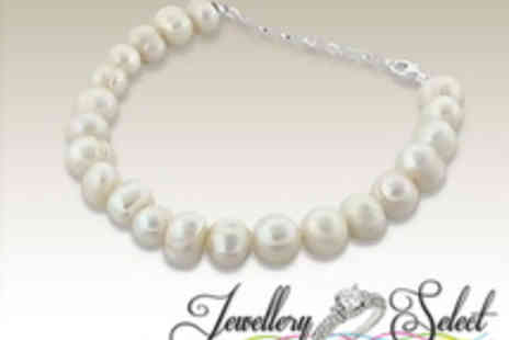 Jewellery Select - Pearl Bracelet from Jewellery Select - Save 98%