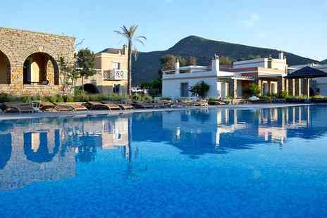 Porto Kea Suites Luxury Hotel - Five Star Luxury and Charming Suite Accommodation - Save 59%