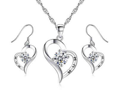 Your Ideal Gift - Mothers Day heart shaped crystal jewellery set - Save 93%