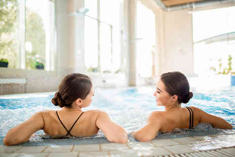 Healthy Retreat - Six hours of spa access with a two course lunch and glass of bubbly for one person - Save 49%