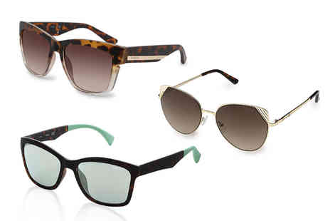 Brands Store - Pair of Guess sunglasses choose from six designs - Save 77%