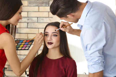 International Makeup Academy - 90 minute teen makeup masterclass - Save 81%