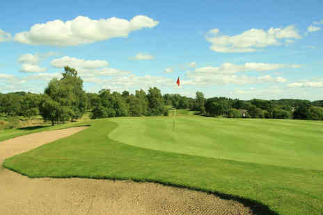 Callander Golf Club - Golf day pass and a hot roll or soup and a buttered roll for one person - Save 53%