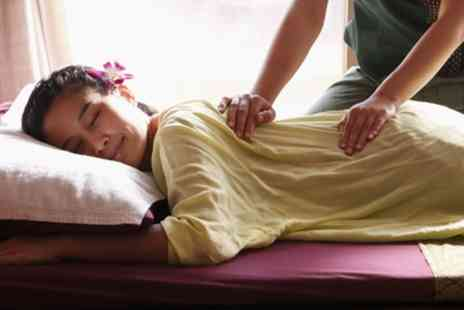 S11 Spa & Beauty - One Hour Thai Massage or Full Body Massage with Oil - Save 33%