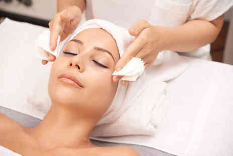 Smart Look Beauty - 40 minute Dermalogica prescriptive facial or 60 minute all in one facial treatment - Save 80%