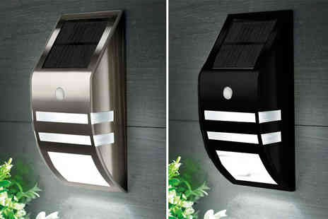 Zoozio - Led solar power wall light or Two choose from two colours - Save 70%