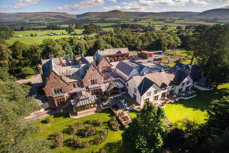 Appleby Manor - Overnight stay for two with breakfast, include a two course dinner each with Prosecco - Save 41%