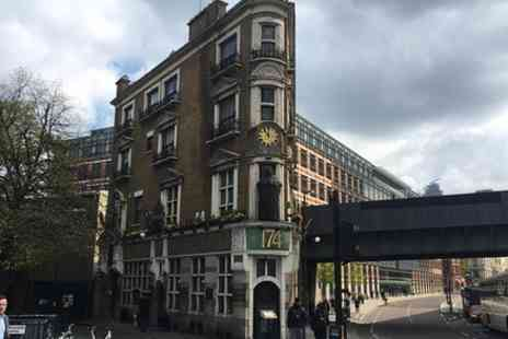 Grant Lander - The City to City Pub walk 2000 years of history and some of Londons best pubs - Save 0%