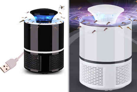 Magic Trend - Flashtron 2.0 electric fly zapper choose between black and white while - Save 80%