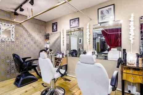 Huda Clinic - Wash, Cut and Finish with Half Head of Highlights - Save 49%