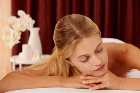 Blunt and Beauty - One Hour Pamper Package - Save 51%