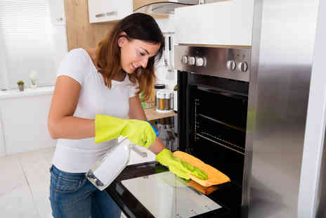 SamEllie Cleaning - Professional single oven clean with one shelf - Save 20%