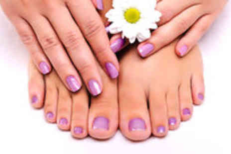 SR Beautique - Gel polish on fingers and toes - Save 73%