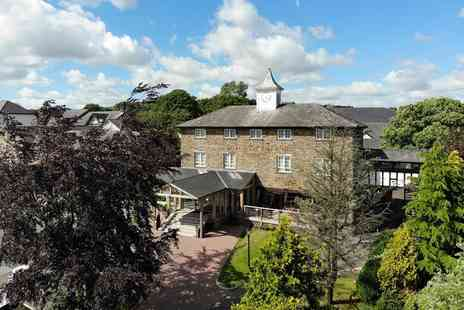Last Drop Village Hotel and Spa - Overnight stay for two people with leisure access, breakfast and a glass of Prosecco each - Save 40%