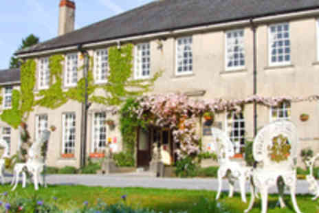 Ty Newydd Country Hotel - Brecon Beacons Getaway Plus Breakfast Plus Cream Tea - Save 59%