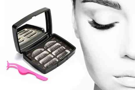 Forever Cosmetics - Magnetic false eyelash set with applicator - Save 70%