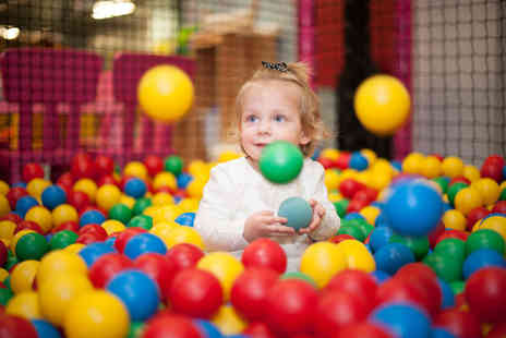 Jungle Creek Adventure Golf - Unlimited soft play pass for one child visit as many times as you like - Save 58%