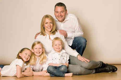 Barrett & Coe - One hour family photoshoot including a consultation, a framed 8 Inch x 6 Inch photograph and a £20 gift voucher - Save 94%