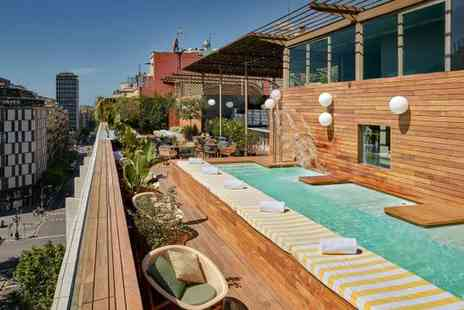 Sir Victor Hotel - Five Star Vibrant Design with Rooftop Pool Overlooking Gaudis Masterpieces for two - Save 0%