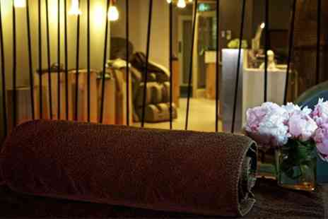 Spa at the Hilton Park Lane - Choice of 30, 50 or 60 Minute Massage with Optional 30 Minute Facial at Spa - Save 44%