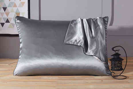 Backtogoo - Silk effect pillowcase choose from 10 colours - Save 70%