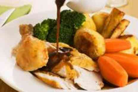 The Chalice - Sunday roast for two people with coffee - Save 66%
