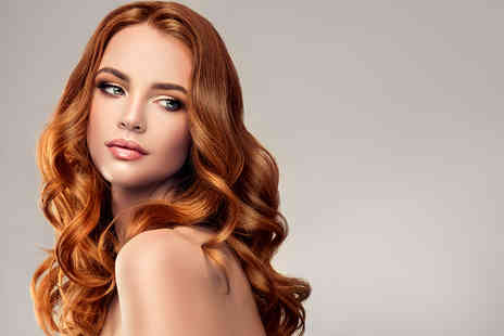 The Beaux Visage - Curly blow dry and full face of makeup - Save 53%