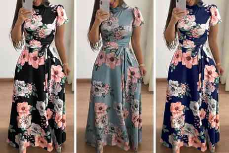 Backtogoo - Short sleeved floral maxi dress choose from three colours - Save 67%