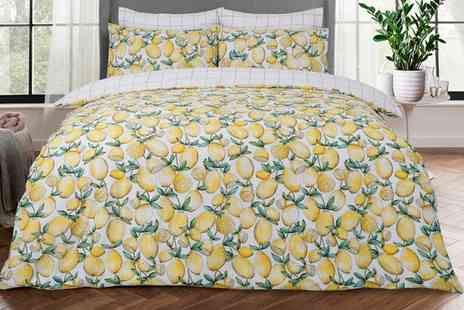 Groupon Goods Global GmbH - Pieridae Reversible Easy Care Duvet Set - Save 0%