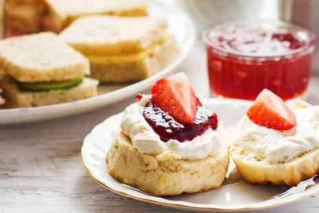 The Loopy Shrew - Sparkling afternoon tea for 2 - Save 0%