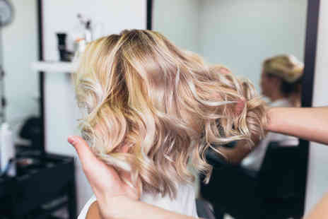 Chardae - Full head of balayage, hair wash and cut, a blow dry to finish and a gift bag - Save 64%