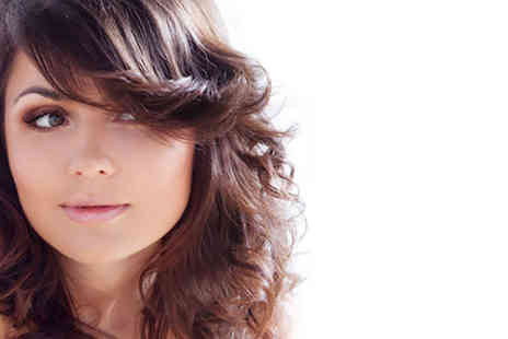 Linda Petterson @ City Beach - Cut, blow dry, conditioning treatment and luxury head massage - Save 71%
