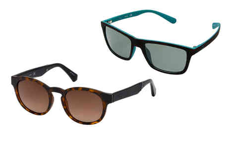Brands Store - Pair of unisex Guess sunglasses choose from two designs - Save 76%