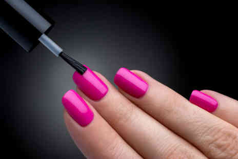 1 Training - Online becoming a nail technician - Save 95%