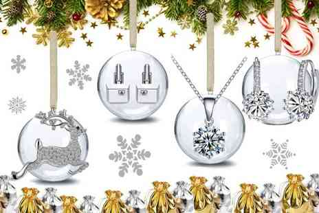 Your Ideal Gift - Four piece Christmas bauble set made with crystals from Swarovski - Save 88%