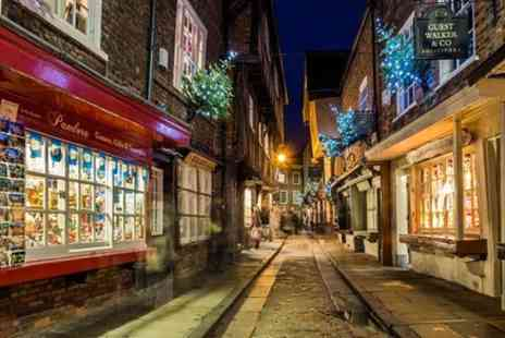 York Carriage Awaits - Explore the history of Christmas in York - Save 20%