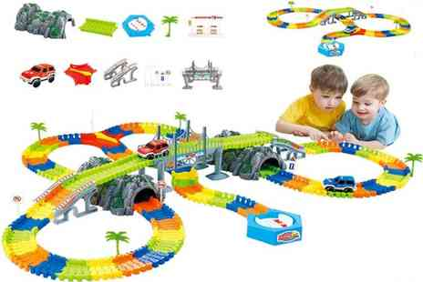 Spezzeee - 96 piece kids race track, 144 pieces, 192 pieces or 240 pieces - Save 86%