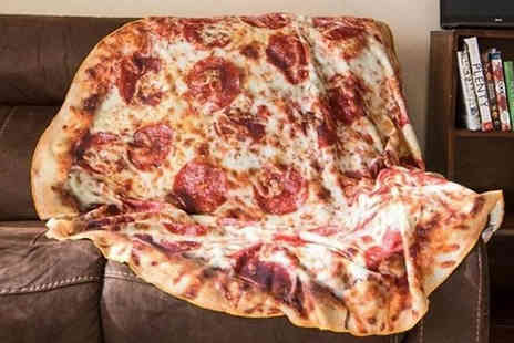 WowWhatWho - Flannel Pizza Blanket Choose from 2 Designs & 3 Sizes - Save 78%