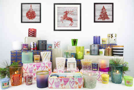 Yankee Bundles - Hearts gift box containing 8 assorted votives plus free votive holder - Save 50%