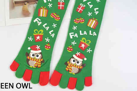 Domosecret - 1 or 2 Pack of 5 Toe Christmas Socks Choose from 5 Designs - Save 85%