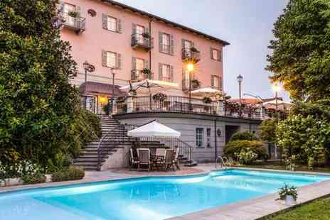 Hotel Ca' Vittoria - Three Star Beautiful 18th Century Property with Gourmet Restaurant for two - Save 30%