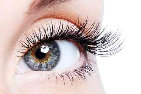Skin Clinic - Full set of individual eyelash extensions - Save 58%